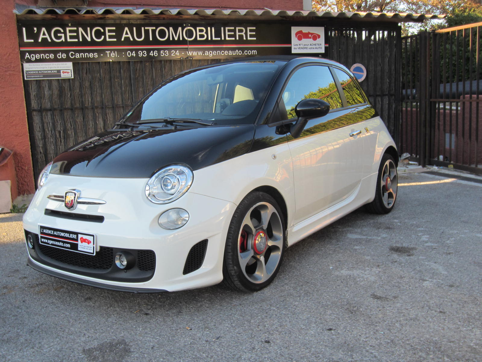 fiat 500 cabriolet abarth 1 4 t occasion cannes pas cher voiture occasion alpes maritimes 06250. Black Bedroom Furniture Sets. Home Design Ideas