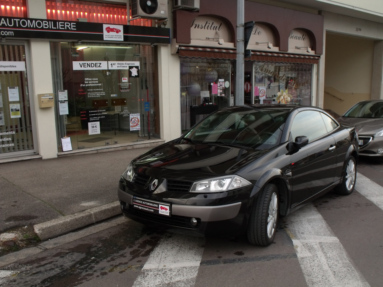 renault megane ii cc 1 9 dci 120 luxe dynamique occasion troyes pas cher voiture occasion aube. Black Bedroom Furniture Sets. Home Design Ideas