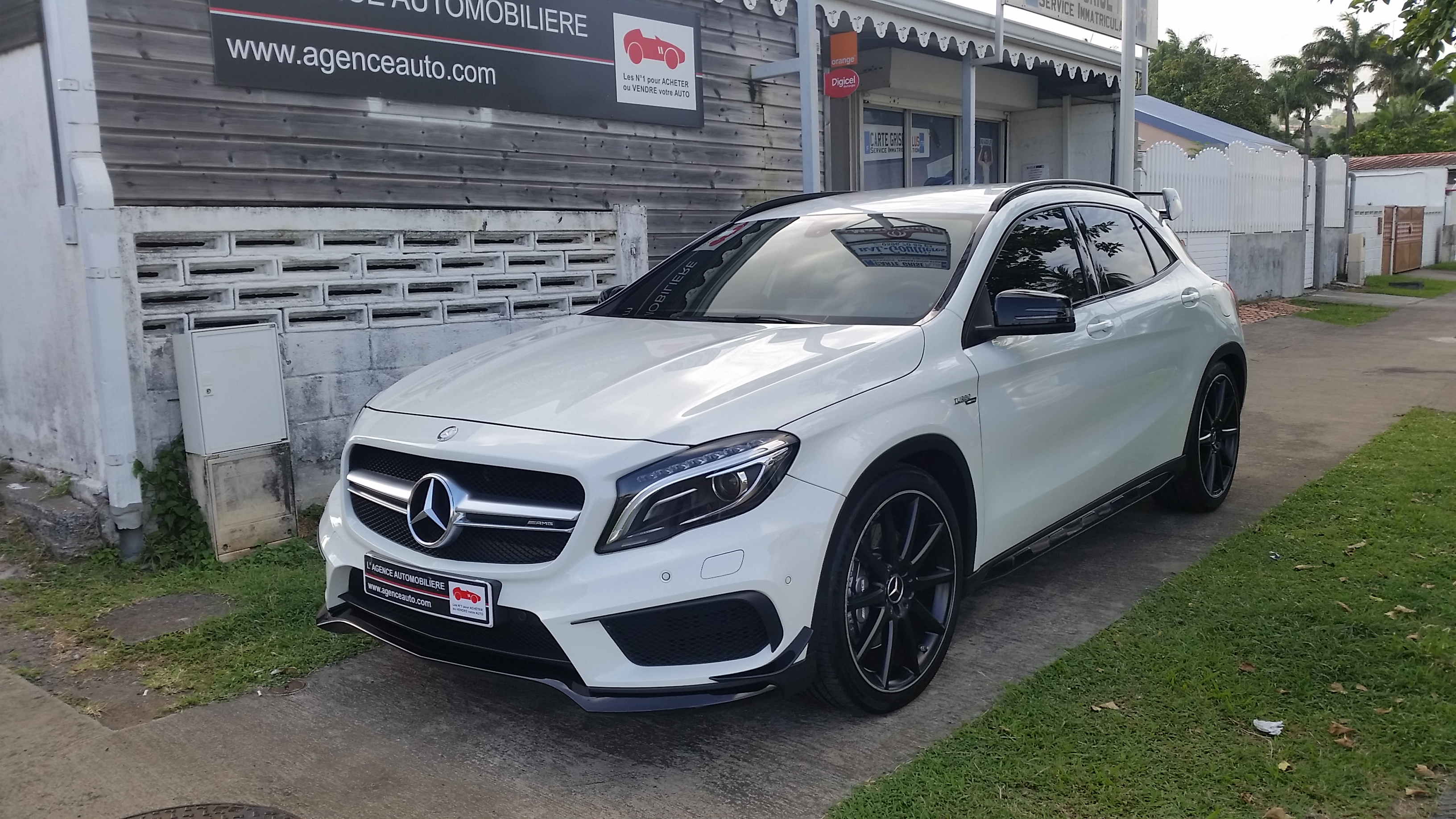 mercedes gla 45 amg 4matic bva7 occasion martinique pas cher voiture occasion martinique 97200. Black Bedroom Furniture Sets. Home Design Ideas