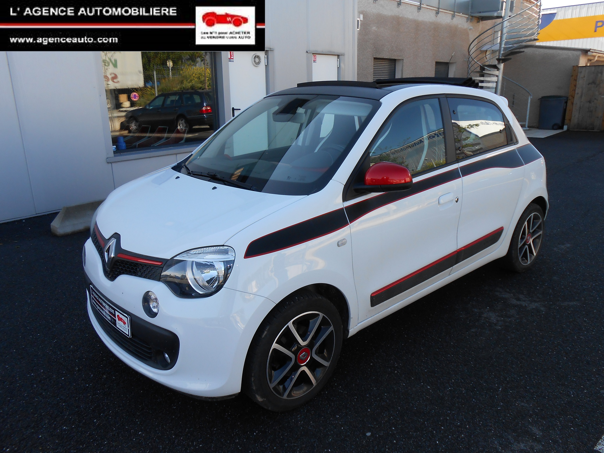 renault twingo iii 0 9 tce 90 sl edition one toit decouvrable occasion carcassonne pas cher. Black Bedroom Furniture Sets. Home Design Ideas