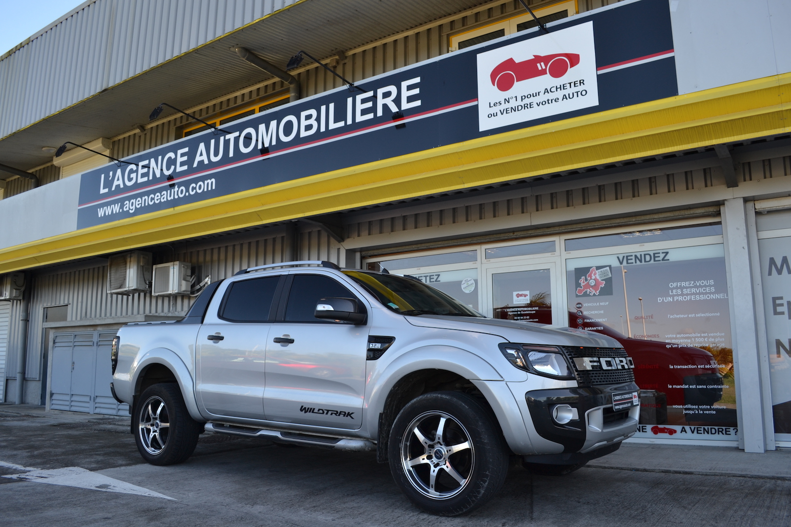 ford ranger double cabine 3 2 tdci 200 4x4 wildtrak a occasion guadeloupe pas cher voiture. Black Bedroom Furniture Sets. Home Design Ideas