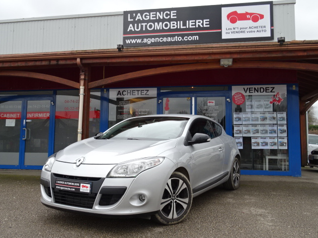 renault megane iii coupe 1 5 dci 110 fap 5cv bose eco2 occasion bourg en bresse pas cher. Black Bedroom Furniture Sets. Home Design Ideas
