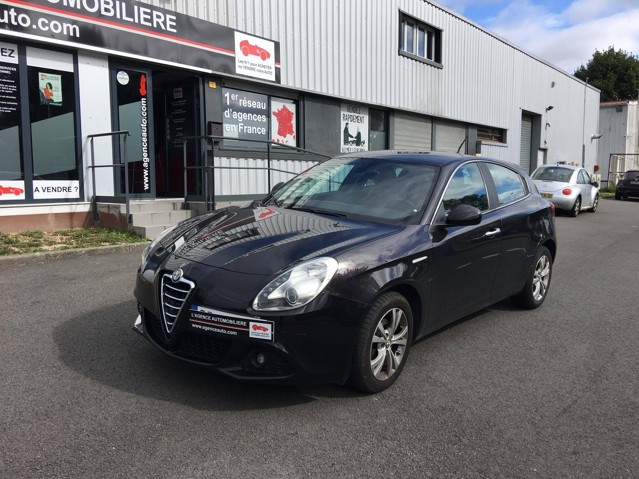 alfa romeo giulietta 1 6 jtdm 105 s s distinctive occasion lille englos pas cher voiture. Black Bedroom Furniture Sets. Home Design Ideas