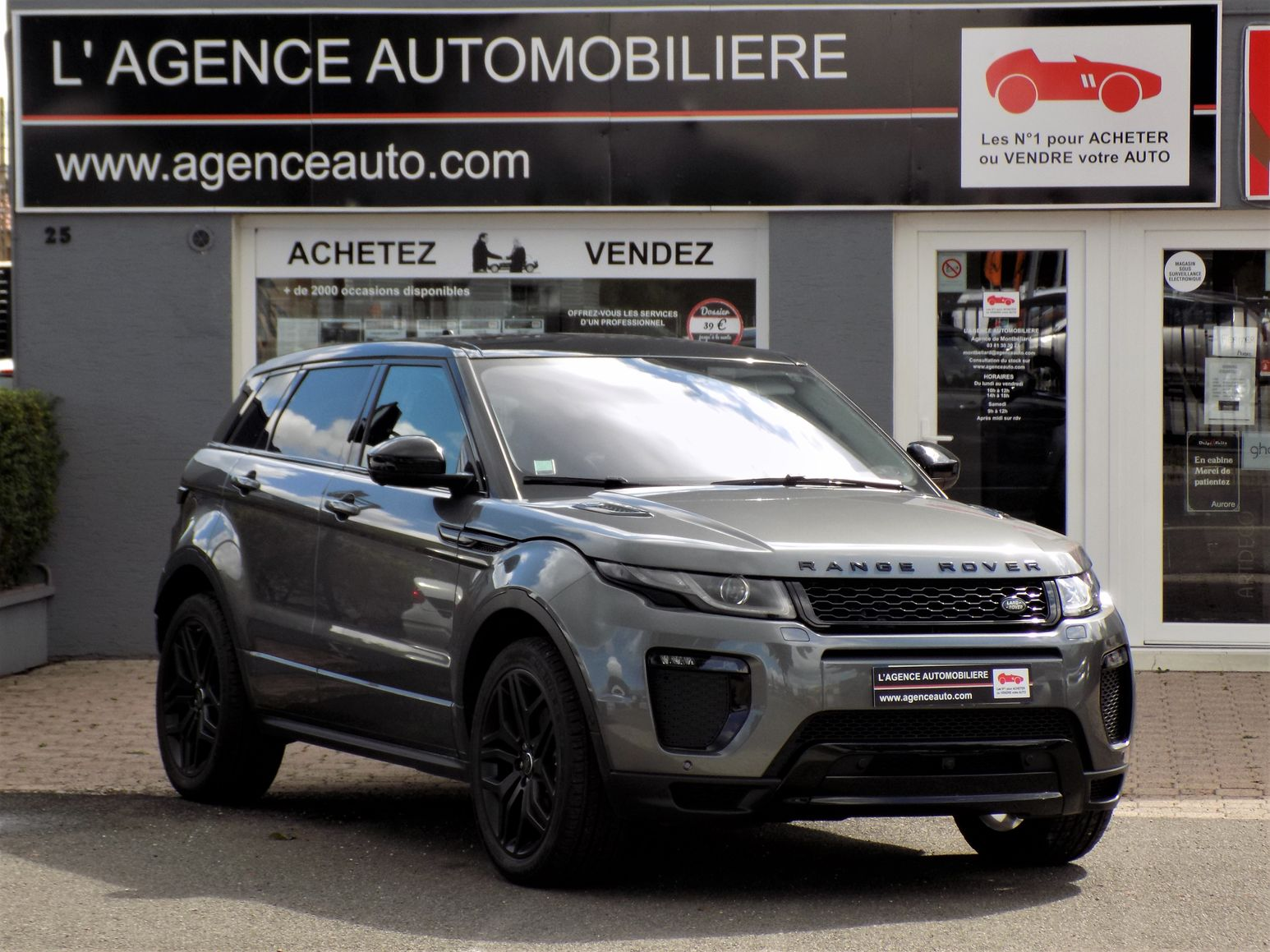 land rover range rover evoque 2 0 td4 180 4wd hse dynamic bva occasion montbeliard pas cher. Black Bedroom Furniture Sets. Home Design Ideas