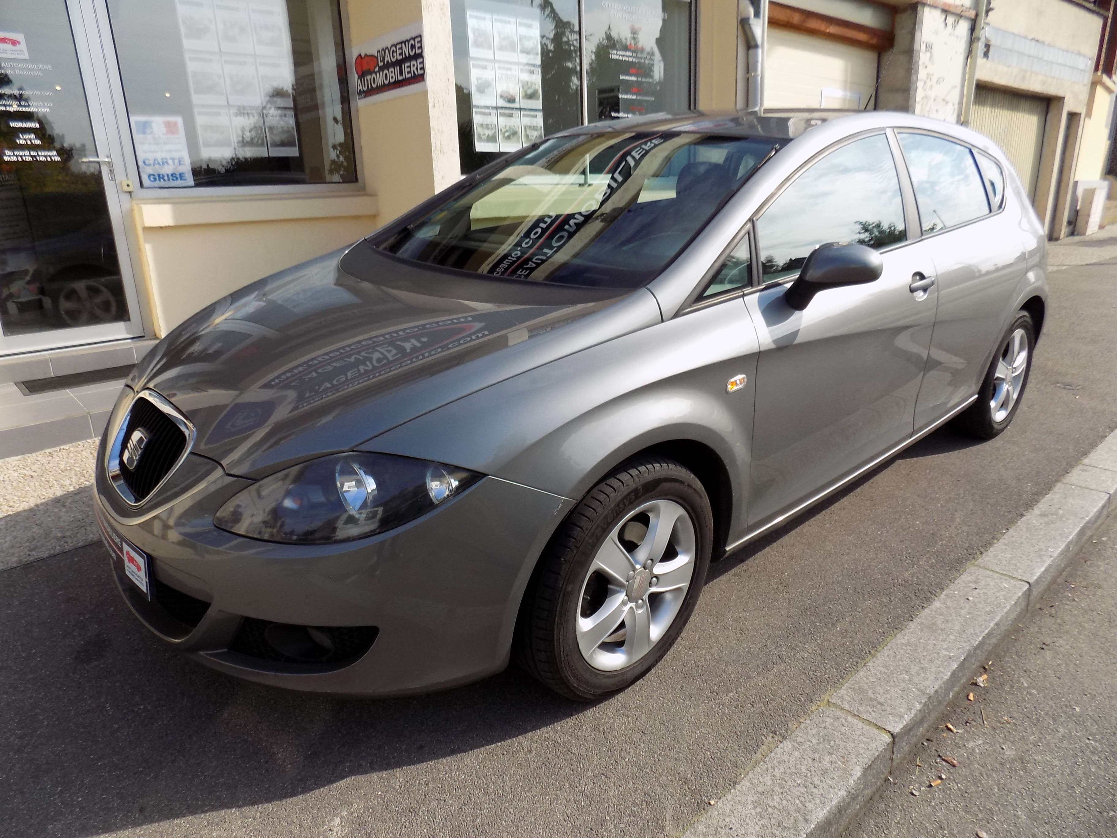seat leon 1 9 tdi 105 cv occasion beauvais pas cher voiture occasion oise 60000 agence auto. Black Bedroom Furniture Sets. Home Design Ideas
