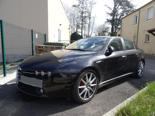 alfa romeo 159 2 4 jtdm ti qtronic occasion al s pas cher voiture occasion gard 30100 agence. Black Bedroom Furniture Sets. Home Design Ideas