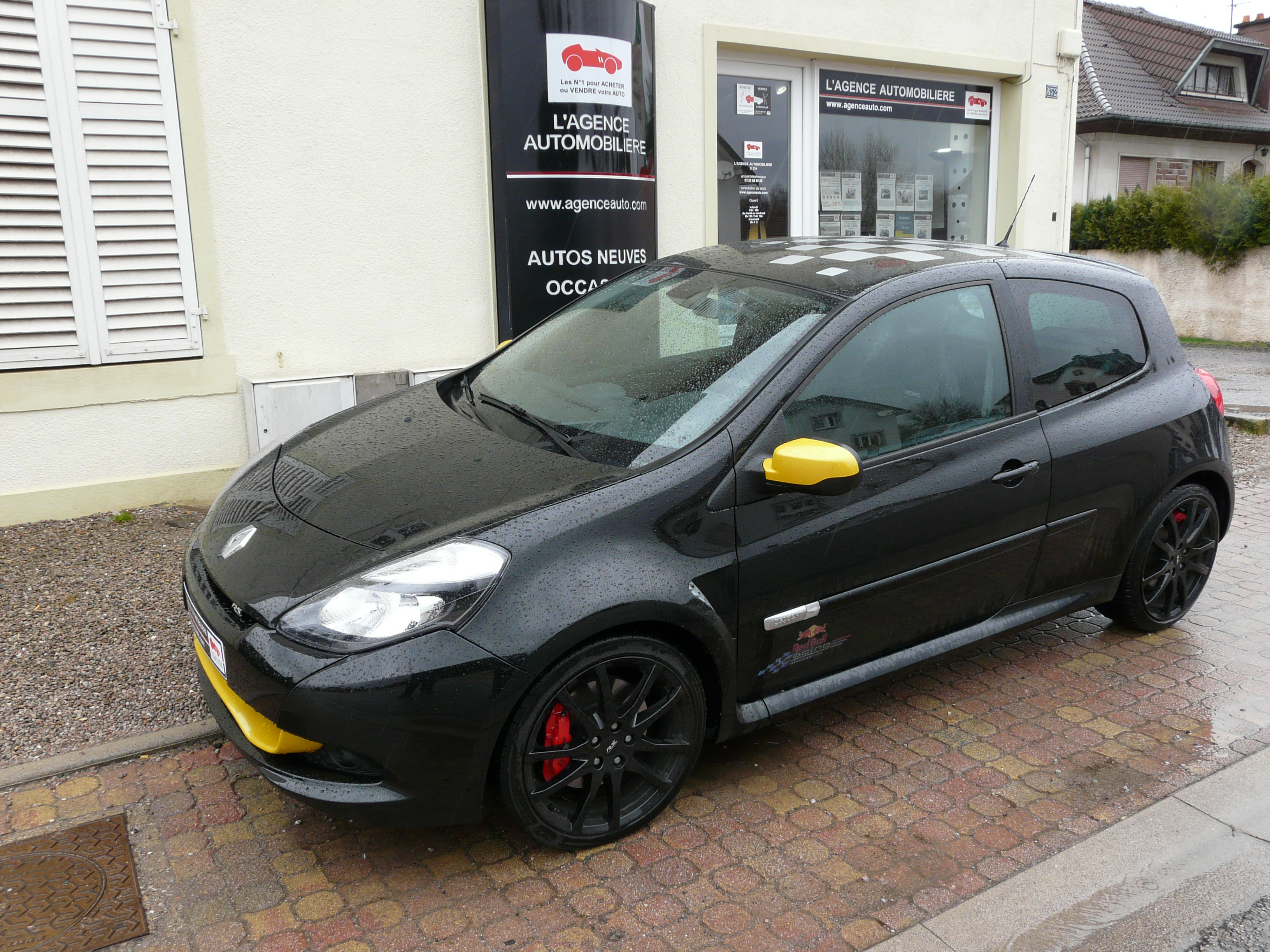 renault clio iii 2 0 16v 203 rs redbull racing occasion. Black Bedroom Furniture Sets. Home Design Ideas